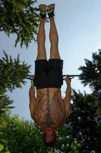 jay-under-front-lever@2x